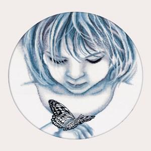 Изображение Девочка и бабочка