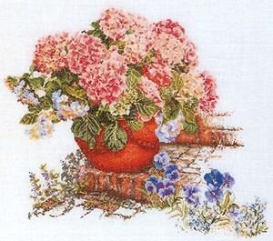 Изображение Гортензия и анютины глазки (Hydrangea & Pansies)