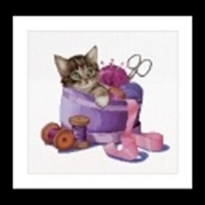 Изображение Котенок в корзинке для шитья (Sewing basket kitten)