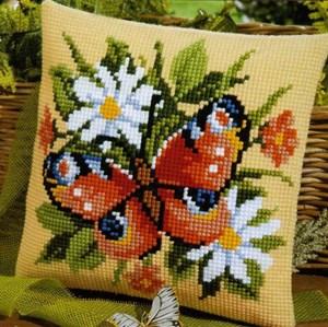 Изображение Бабочка в ромашках (подушка) (Butterfly)
