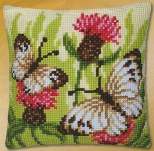 Изображение Бабочки на чертополохе (подушка)