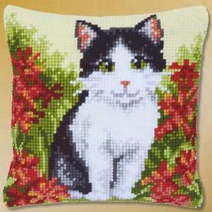 Изображение Белая с черным кошка (подушка) (Black and White Cat )