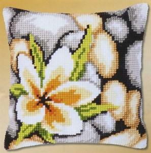Изображение Цветок на камнях (подушка) (Frangipani)