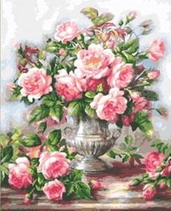 Изображение Розы в серебряной вазе