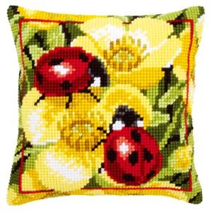 Изображение Божьи коровки  и примулы(подушка) (Ladybird and Primrose)