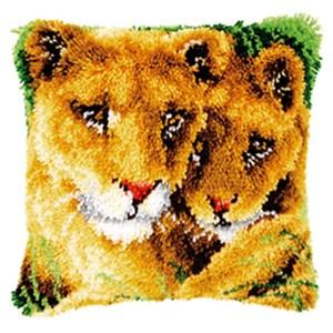 Изображение Львица с львенком (коврик)