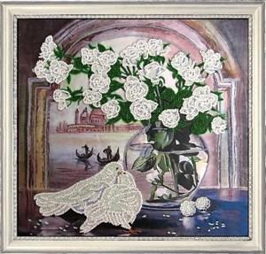 Изображение Розы и голуби