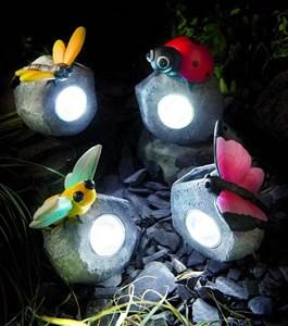 Изображение Светильник на солн батарее Камень с насекомым 7.5 * 6 * 10см
