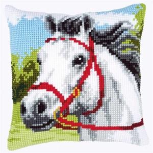 Изображение Белая лошадь (подушка) (White Horse)