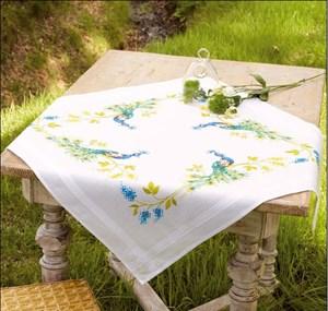 Изображение Павлин с цветами Скатерть (Peacock with Flowers Tablecloth)