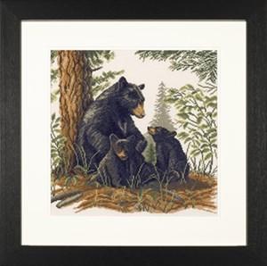 Изображение Черная медведица с медвежатами (Black bear with cubs)