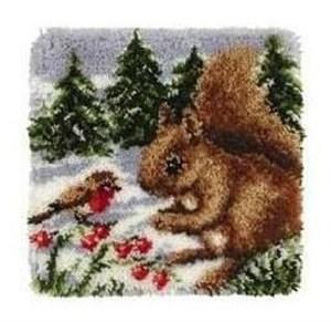 Изображение Белочка и снегирь (коврик)
