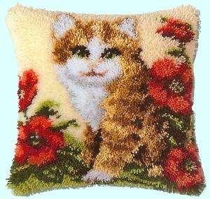 Изображение Котенок в цветах (коврик)