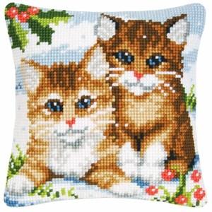 Изображение Зимние котята (подушка) (Winter Kittens)