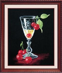 Изображение Бокал с вишней