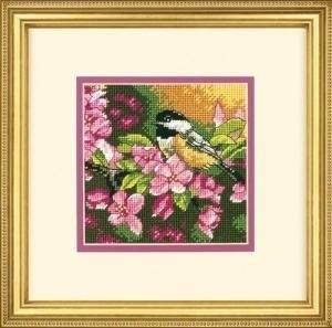 Изображение Синица в розовом (Chickadee In Pink)