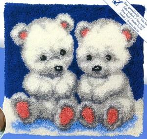 Изображение Белые медвежата (подушка) (Cute Bears)