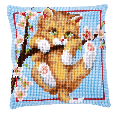 Изображение Котенок на ветке (Подушка) (Kitten)
