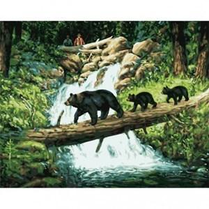 Изображение Медвежий переход (Bear Parade Over Stream)