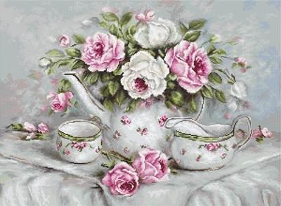 Изображение Чайный сервиз и розы