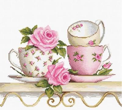 Изображение Чайные чашки с розами