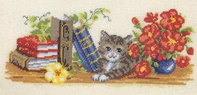 Изображение Котенок и книжная полка (Kitchen Bookshelf)