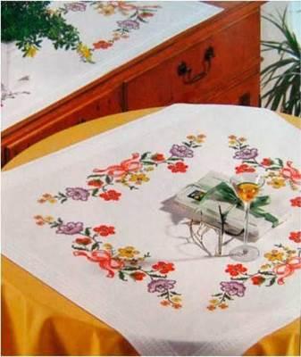 Изображение Цветы и банты (скатерть)