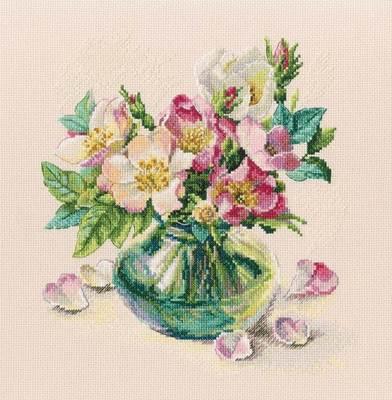 Изображение Нежные цветы шиповника