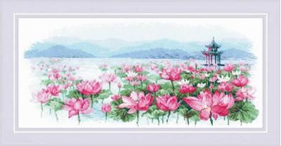 Изображение Поле лотосов. Пагода на воде
