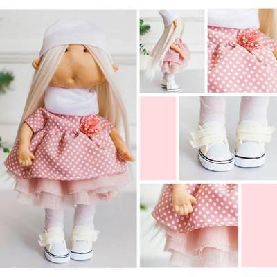 Изображение Мягкая кукла Моника