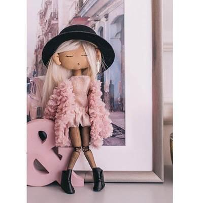 Изображение Мягкая кукла Регина